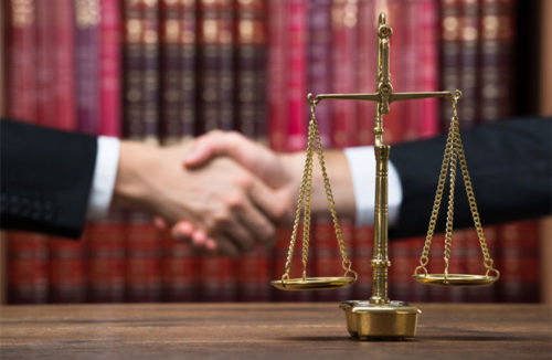 Why Hire a Lawyer Vs Online Legal Help
